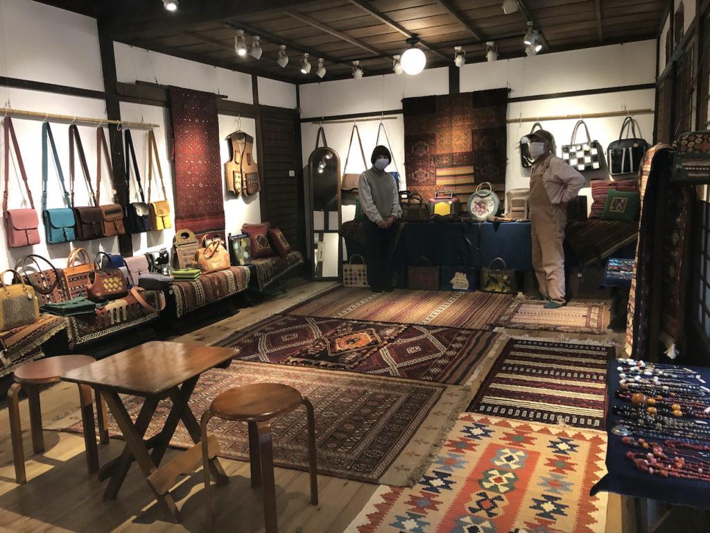 「革の創作バッグとペルシャの手織りキリム」展 11日から